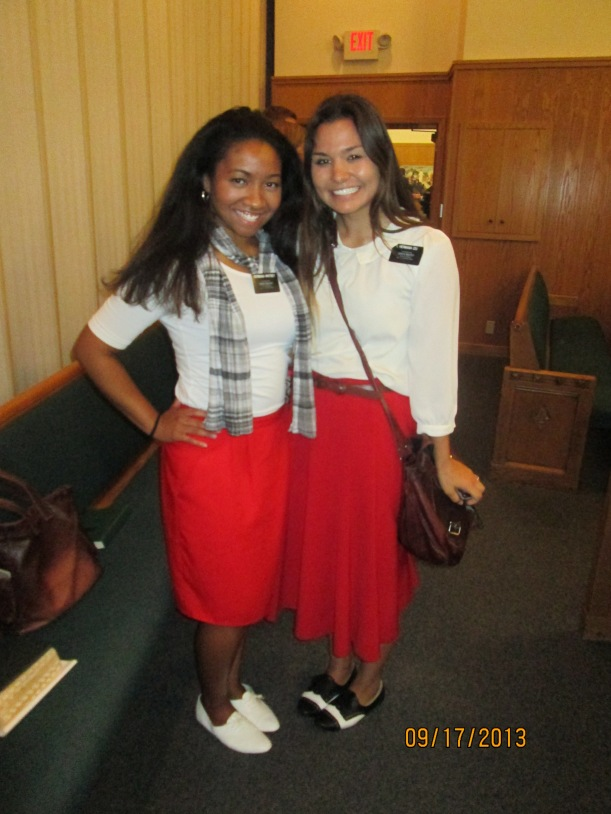 Hermana Izu and I... we had to take pictures because it's not everyday that you see someone that dresses the same as you hahaha. She's had my last two comps now!